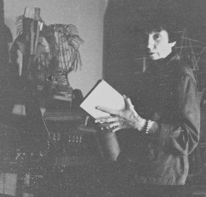 Jeanne Mammen um 1947 im Atelier (© Förderverein der Jeanne-Mammen-Stiftung e.V.)
